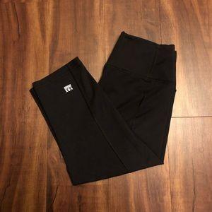 Black VS SPORT crop leggings